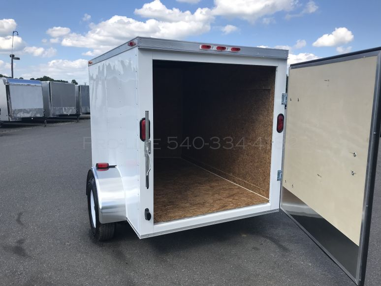 Small Cargo Trailers >> 5x8 Enclosed Trailer For Sale Small Cargo Trailers